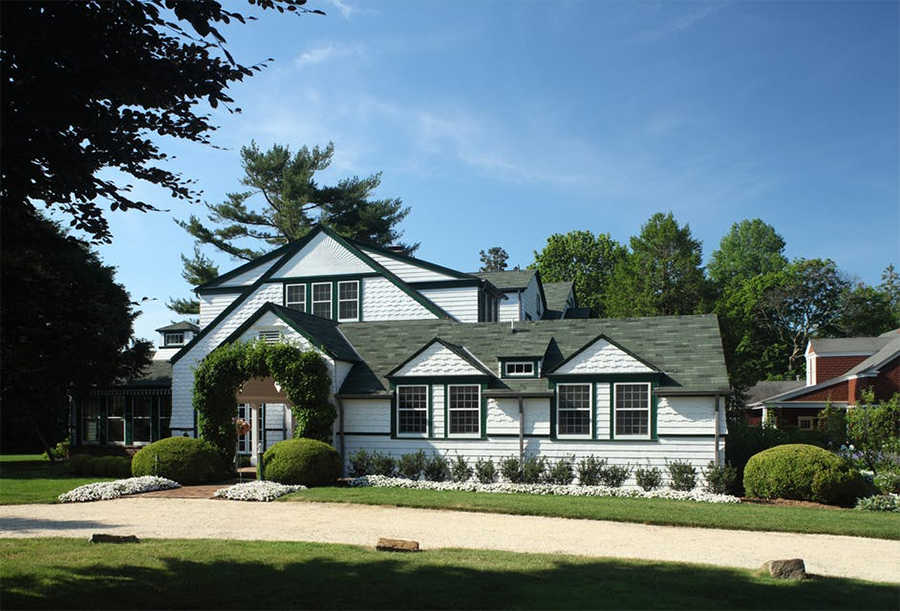 New Jersey Farmhouse, designed by architect Arthur Chabon